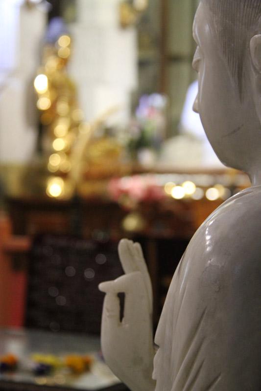 sri-lanka-buddha-kandy